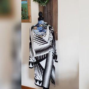 Beautiful Ladies Cardigan w/shawl collar